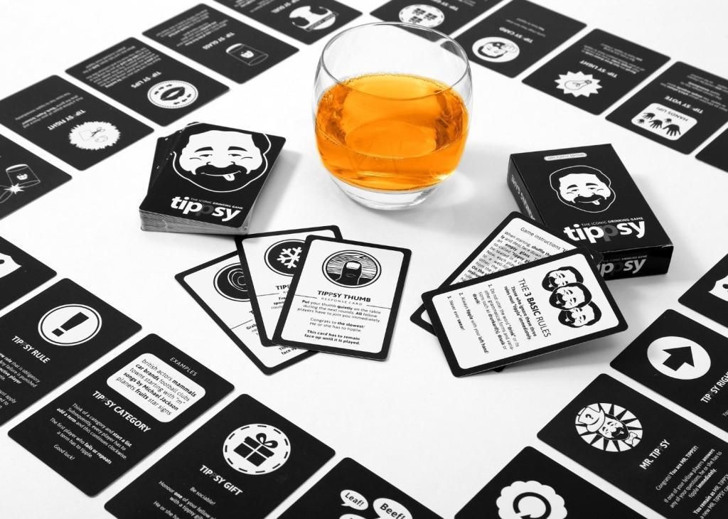 Bild von tippsy - THE ICONIC DRINKING GAME - Trinkspiel auf englisch - *waterproof* *party game*